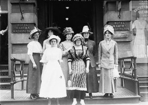Suffragettes-Martha-Washington1912